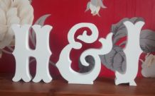 Large wooden letters with & sign (victorian script)